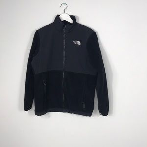 The North Face Sweater size xl Girl Black zip up